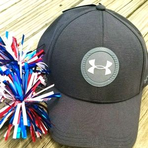Mens NWT FITTED  UNDER ARMOUR ISOCHILL HAT